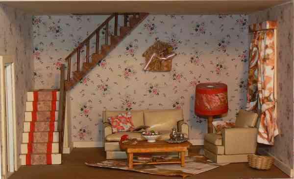 La maison de poup e for Escalier entre cuisine et salon